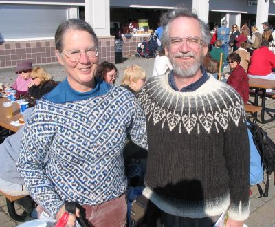 Sweater_duo